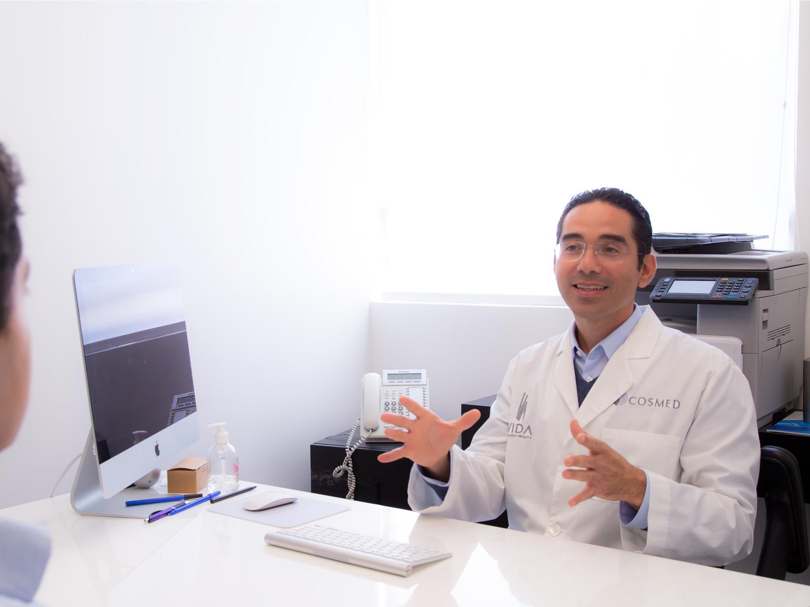 dr. alejandro lira urologo en tijuana